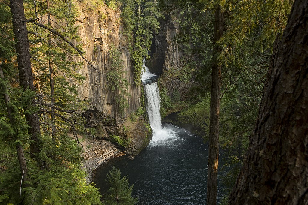 The Toketee Falls are some of the most accessible and best waterfalls in Oregon