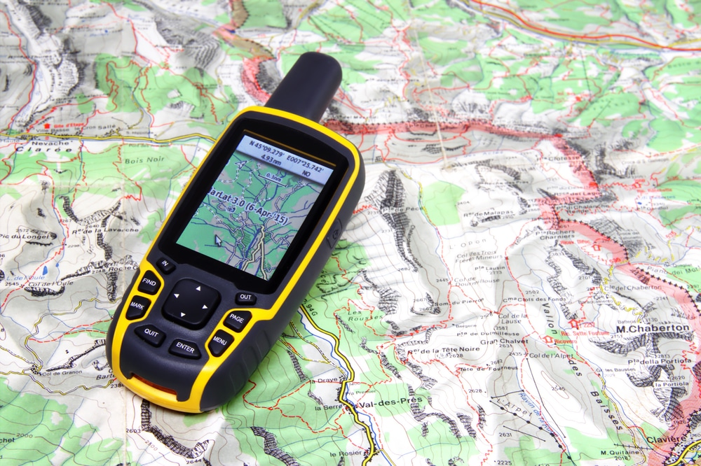 Garmin 64st – A Good Handheld GPS That Gets the Job Done